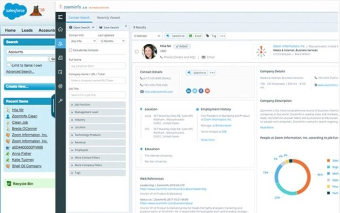 ReachOut 2.0 supports full profiles and prospecting when expanded to 80% of the screen.